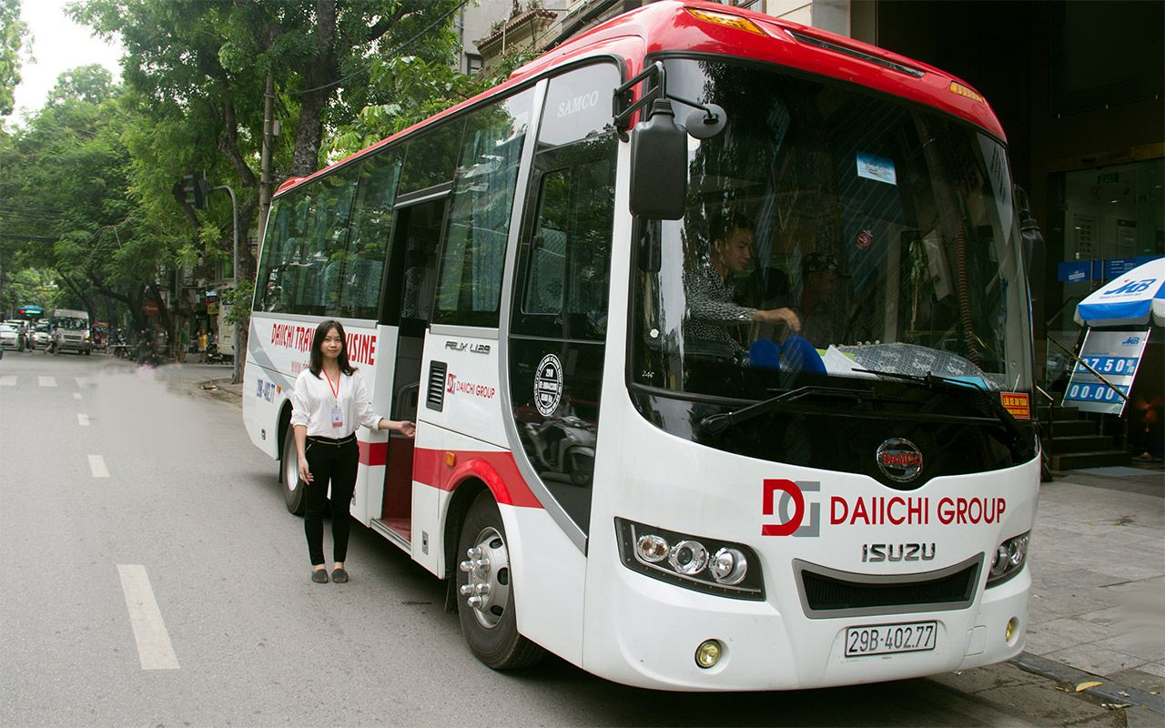 Tourist Bus + Fähre