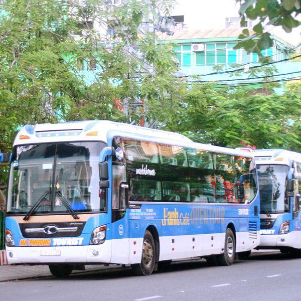 游客 巴士