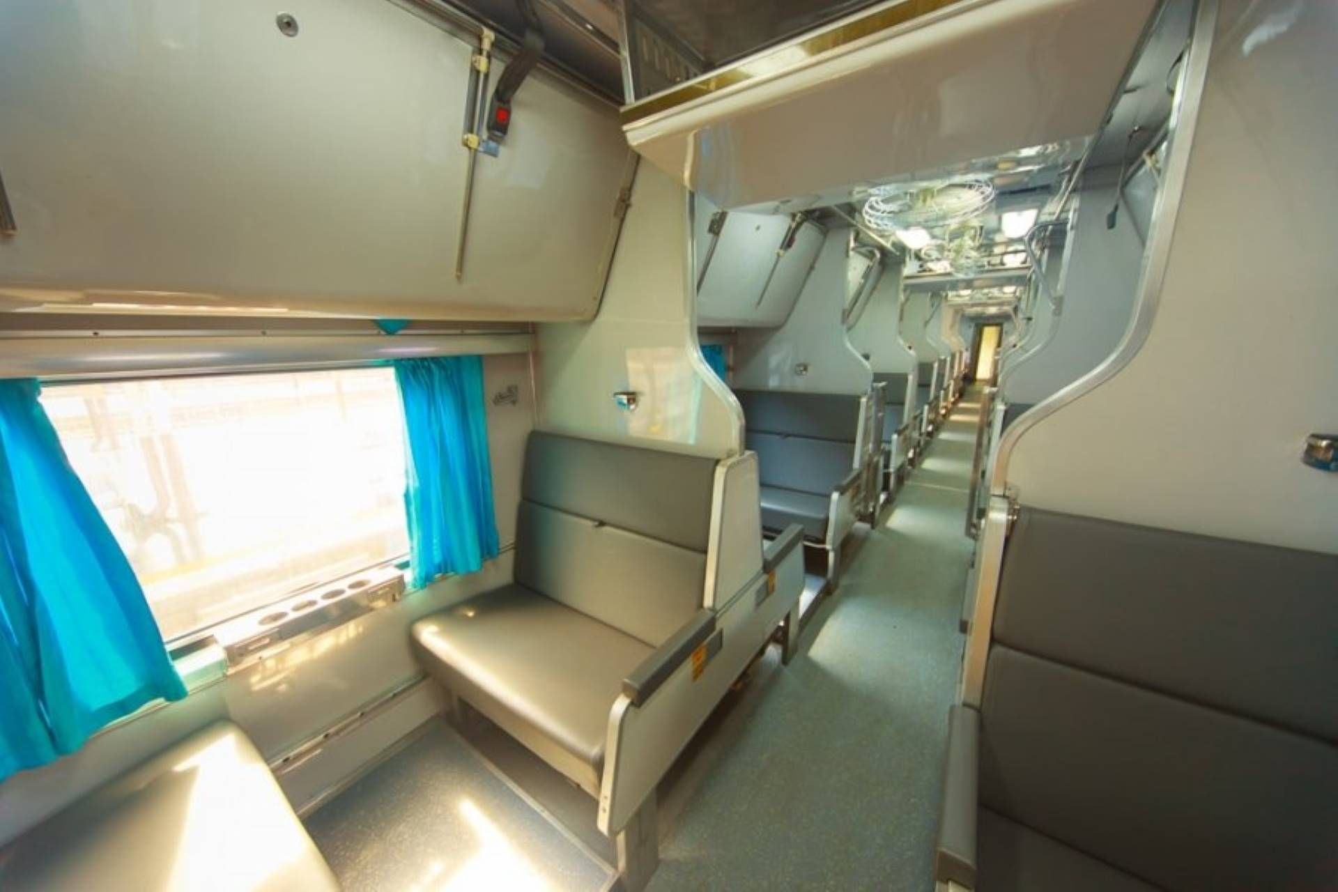 Second Class Lower Bed Treno