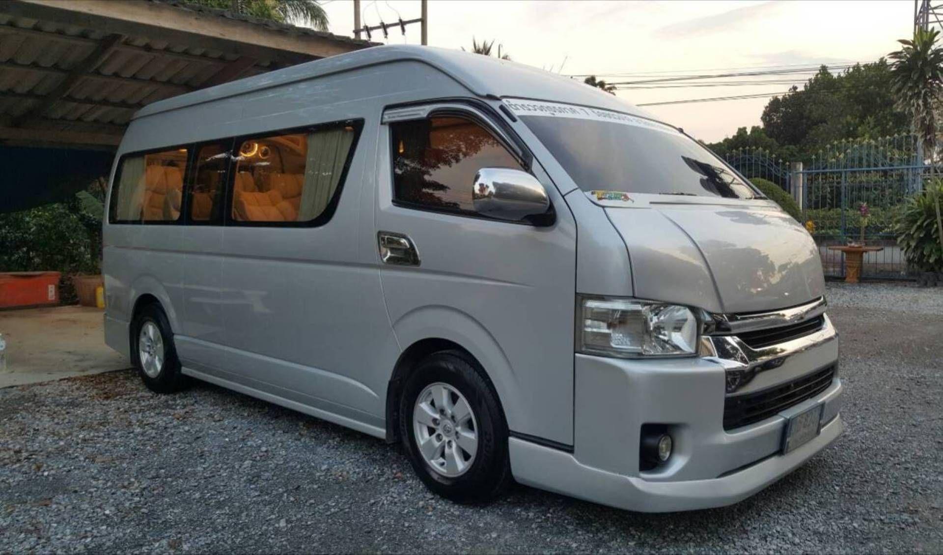 VIP Minivan 9 PAX